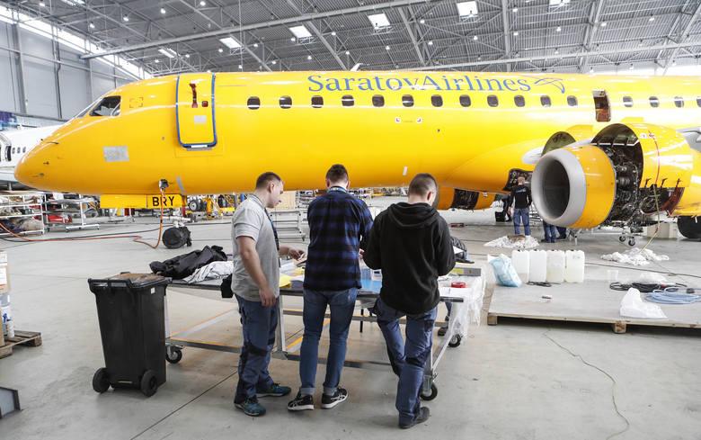 - Ten hangar powstał do obsługi technicznej samolotów tzw. kodu D, czyli posiadających rozpiętość skrzydeł powyżej 60 metrów. Jesteśmy w stanie zmieścić