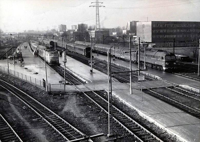 Dworzec Warszawa Gdańska. Zdjęcie pochodzi z lat 80. XX wieku