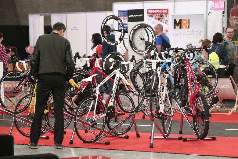 Konsumenci zdecydowanie częściej kupują nowe rowery, a o ich wyborze decydują kolejno cena, design oraz jakość. Średnia kwota przeznaczona na zakup wynosi