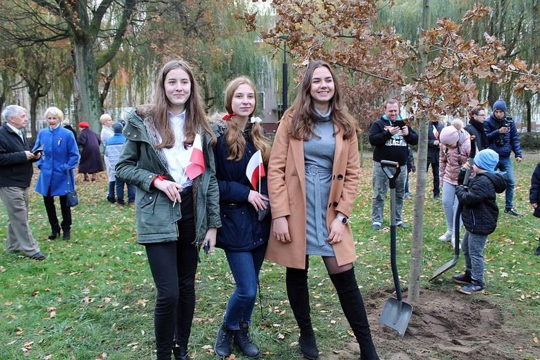 Zobaczcie nowe zdjęcia z białogardzkich uroczystości z okazji 100-lecia odzyskania przez Polskę niepodległości.Zobacz także 100 lat Niepodległości. Uroczystości
