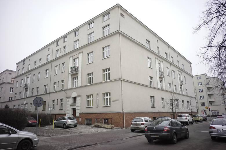 Mieszkanie po zmarłej sąsiadce wyceniono na 177,6 tysięcy zł.  Justyna Lachor-Adamska, dzięki wysokiej bonifikacie, miała do zapłacenia 46,6 tysiąca