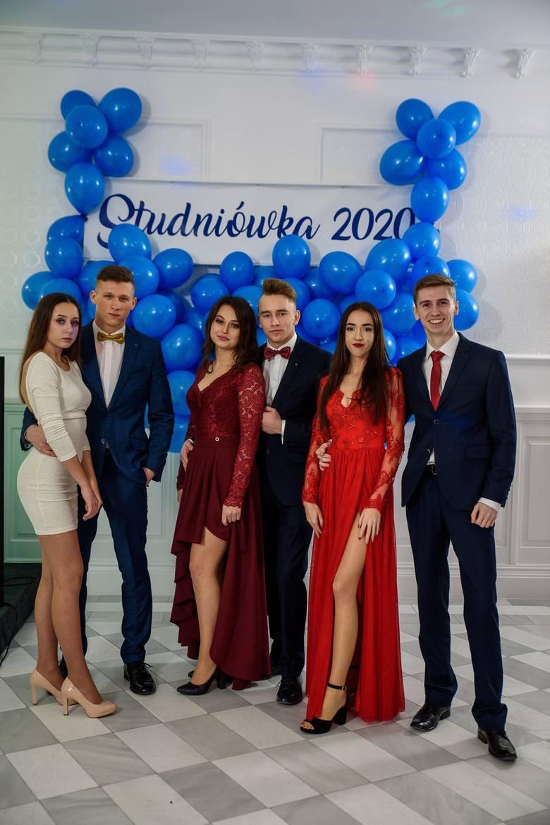 """11 stycznia w Domu Weselnym """"W Dolinie"""" w Małkowicach odbyła się studniówka 2020 Centrum Kształcenia Zawodowego i Ustawicznego Nr 2"""