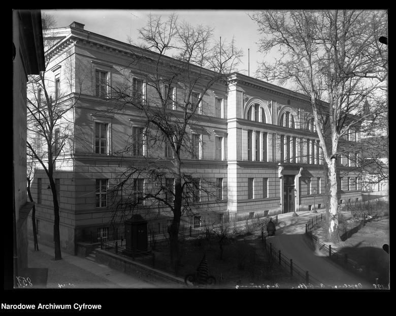 Plac Wolności. Nieistniejący budynek Rejencji Opolskiej.