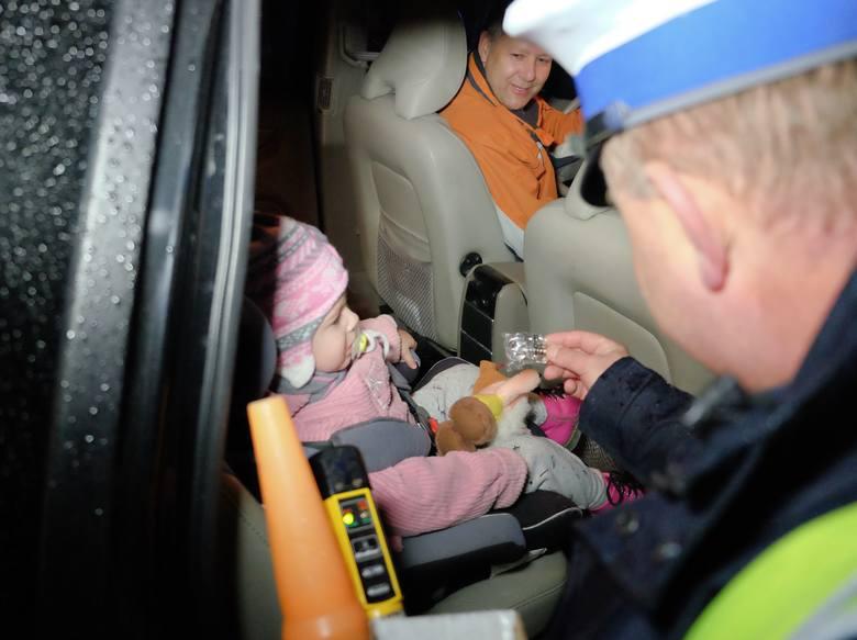 """W piątek od godz. 16 do 20 policjanci wydziału ruchu drogowego Komendy Miejskiej Policji w Przemyślu, prowadzili akcję """"Trzeźwe popołudnie"""". Funkcjonariuszy"""