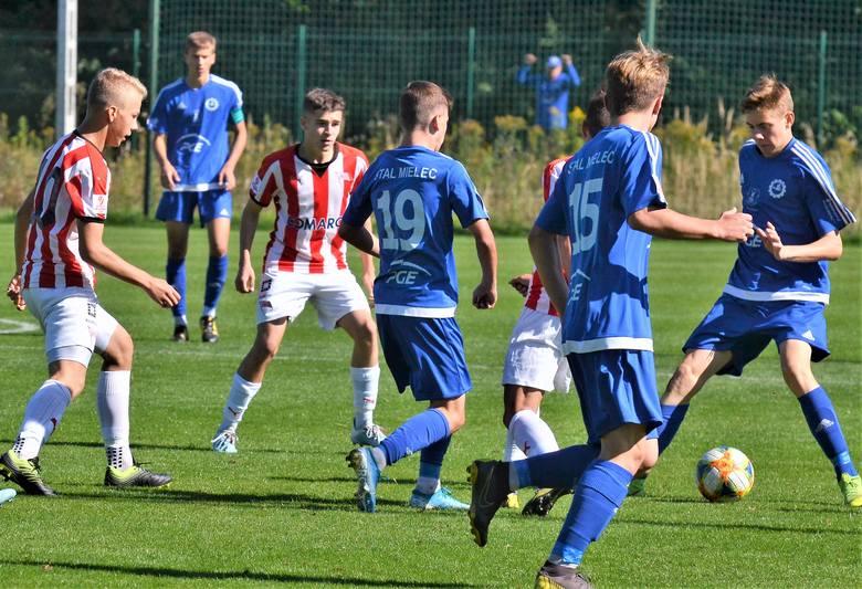 Centralna Liga Juniorów do lat 17: Wyrównany mecz Stali Mielec z Cracovią. Lider wygrał, ale łatwo nie miał [RELACJA, ZDJĘCIA]