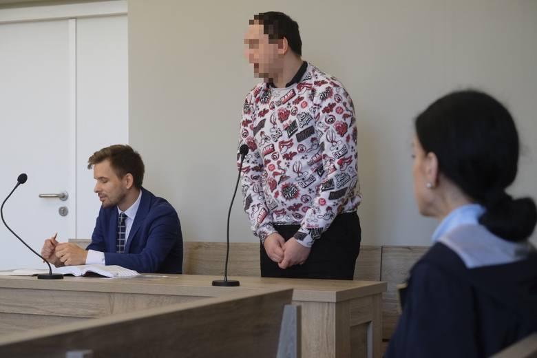 Rok więzienia w zawieszeniu na 2 lata i zakaz wulgarnego streamu - ten wyrok Daniel  Z. usłyszał w zeszłym roku