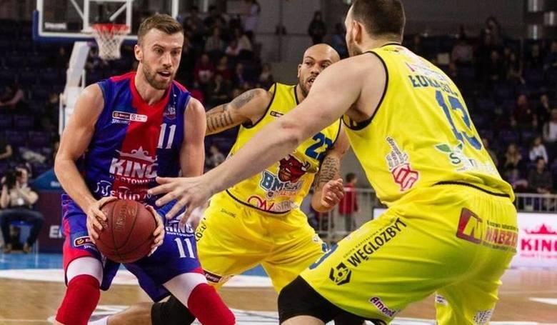 Paweł Kikowski (z piłką) zapowiada gotowość przed serią ze Stalą Ostrów Wielkopolski.