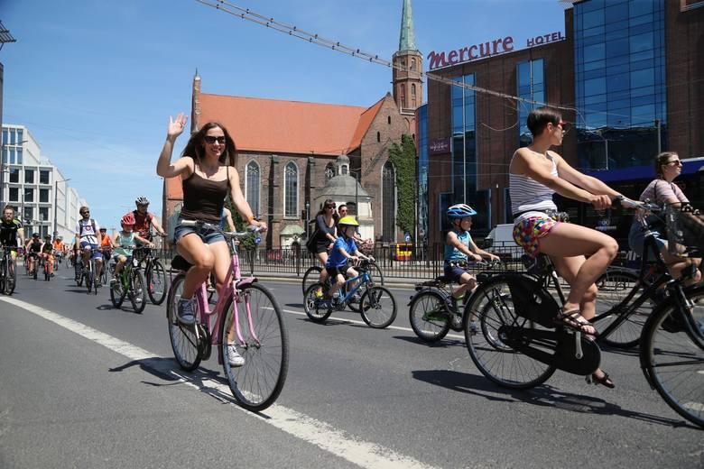 Rowery już dawno przestały być traktowanie jedynie jako sport rekreacyjny. Coraz więcej osób dojeżdża na jednośladach do pracy czy do szkoły. Wpływ na