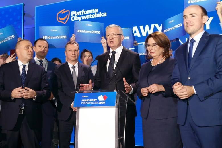 Małgorzata Kidawa-Błońską jesienią 2019 roku wygrała prawybory w PO, potem jednak, w obliczu kiepskich notowań w sondażach, PO wymieniła ją na Rafała