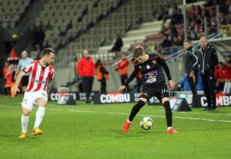 Na stadionie przy Kałuży w meczu 32. kolejki Ekstraklasy Cracovia uległa Jagiellonii Białystok. Przyjezdni dzięki kompletowi punktów awansowali w tabeli