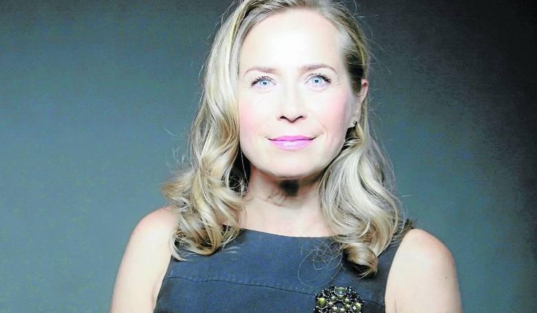 Alina Kamińska. Aktorka teatralna, filmowa, lektorka i dziennikarka. Przez wiele lat związana była z krakowskim Teatrem Bagatela, wystąpiła też w kilkudziesięciu