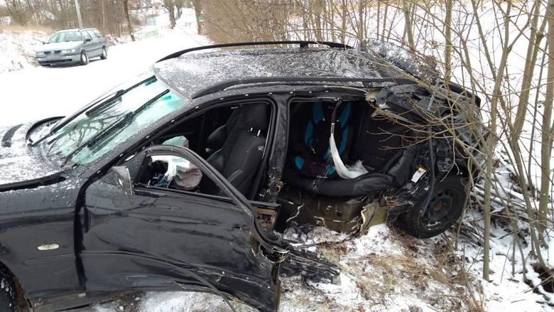 Do zdarzenia doszło w czwartek (3 stycznia) rano. Około godz. 10 oficer dyżurny gołdapskiej komendy otrzymał zgłoszenie o wypadku drogowym który miał