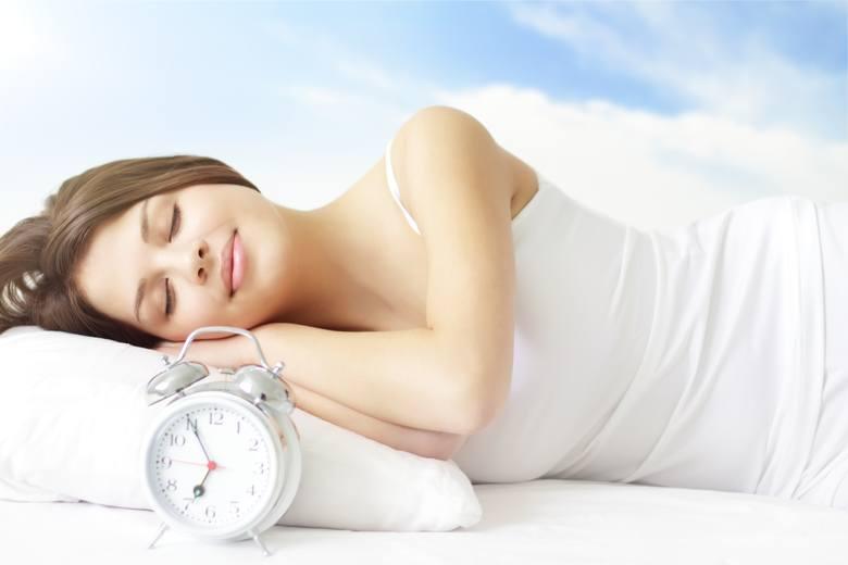 Zmiana czasu 2021. Kiedy w tym roku przestawiamy zegarki? Czy robimy to już po raz ostatni?