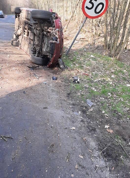 Do wypadku doszło w sobotę, 28 marca, na drodze koło Żelechowa (pow. świebodziński). Około godz. 14.00 na drodze pomiędzy Sieniawą a Żelechowem, kierujący