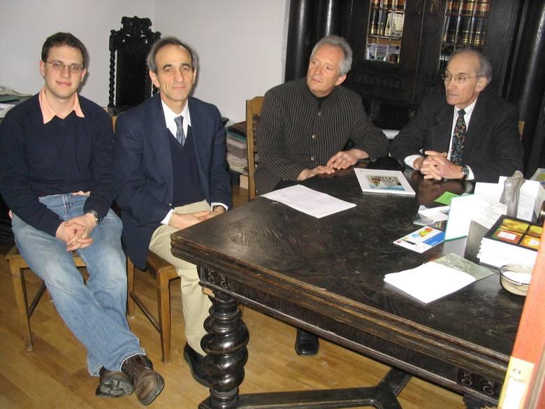 Na zdjęciu od lewej: Ethan Levine, rabbi Edward Boraz, Sławomir Preiss, dyrektor stargardzkiego muzeum i dr Michael Lozman.