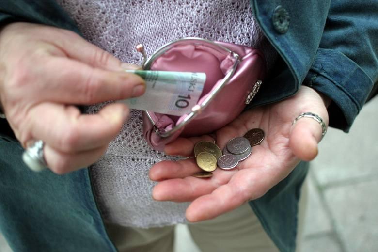 Dodatkowe emerytury 2021. Rok 2021 będzie szczególny dla emerytów. To właśnie w tym roku, seniorzy mogą liczyć na szereg dodatkowych wypłat. Poza comiesięczną