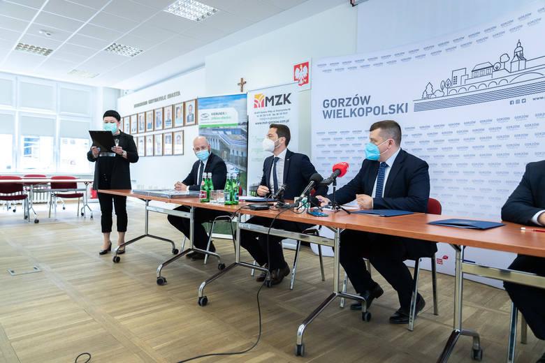Osiem autobusów elektrycznych oraz cztery stacje ich ładowania będą kosztowały ponad 30 mln zł.