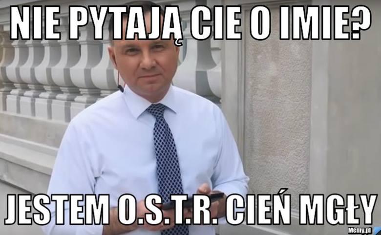 Andrzej Duda wziął udział w #Hot16Challenge2. Jak poradził sobie z wyzwaniem? Zobacz memy internautów, które komentują występ głowy państwa.Zobacz kolejne