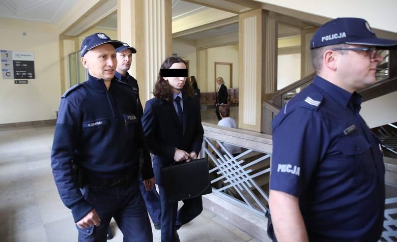Proces 27-letniego Dawida Ł., którego prokuratura oskarżyła o udział w islamskiej organizacji zbrojnej mającej powiązania z formacjami terrorystycznymi.