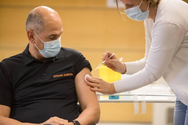 Fałszywe szczepionki przeciwko koronawirusowi w Polsce i Meksyku, donosi amerykańska gazeta