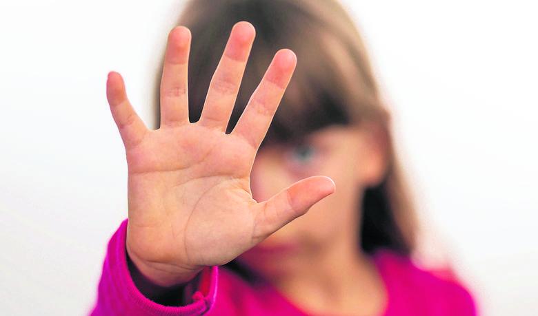 Podstawówka w Toruniu nadal nie radzi sobie z uczniem, który bije inne dzieci. Rodzice zapowiadają protest! - Jeśli na jutrzejszym spotkaniu nie rozwiążemy