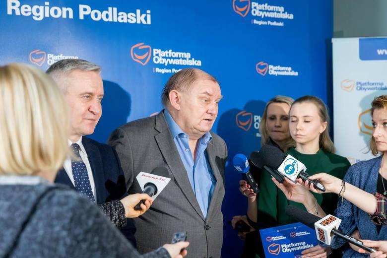 Politycy i radni PO ogłosiło miejski program in vitro w marcu ubiegłego roku. W konferencji wziął udział prof. Sławomir Wołczyński, który miał czuwać