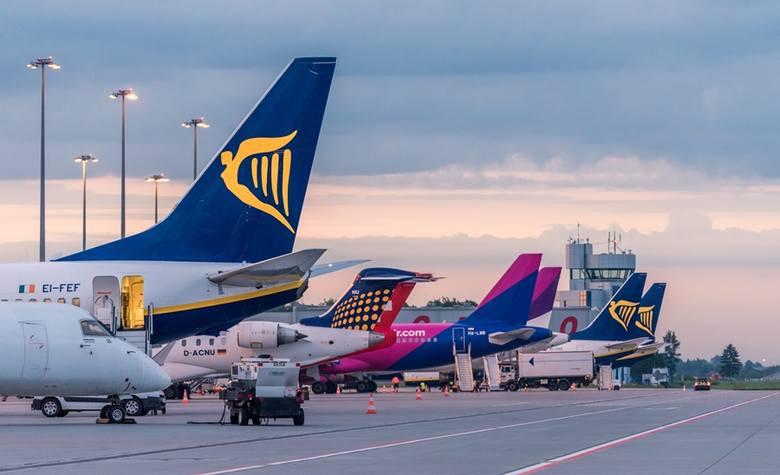 W nowym sezonie na pasażerów korzystających z wrocławskiego lotniska czeka pięć nowości. Dokąd polecimy już wkrótce z Wrocławia? Sprawdźcie.Przejdź dalej