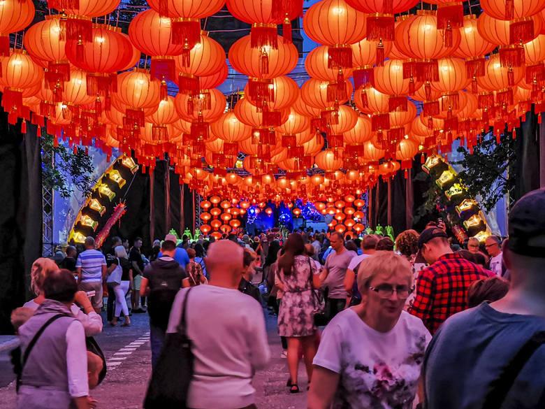 Toruńska Agenda Kulturalna, która jest organizatorem największej letniej imprezy w naszym mieście do końca walczy o to, aby festiwal światła się odbył,