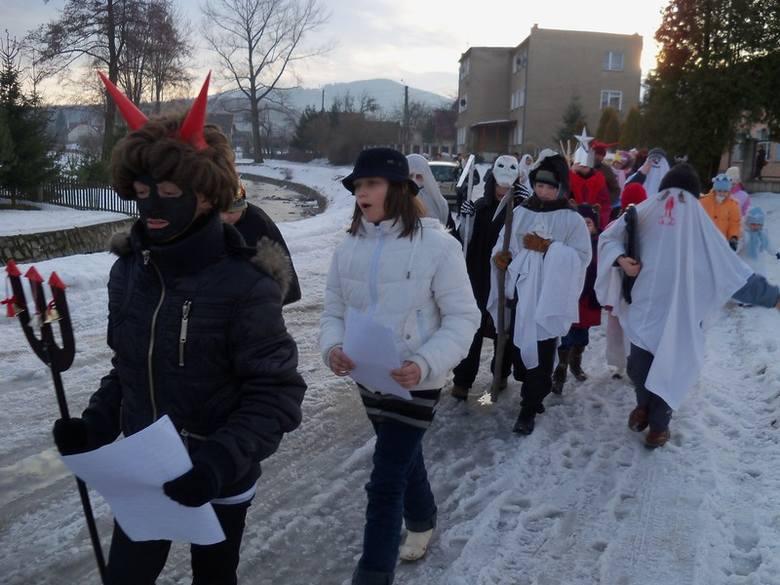 Szkoła w Moszczance kolędowała