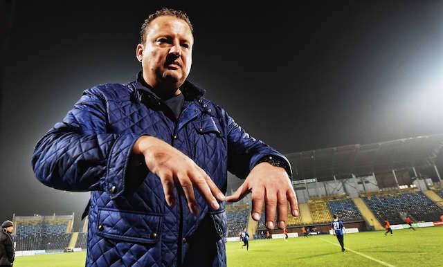 Radosław Osuch piłkarskim Zawiszą rządził od lipca 2011 roku. Po pięciu latach ręce mu opadły. Fot. Dariusz Bloch