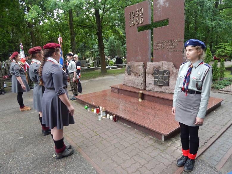 Spotkanie odbyło się na cmentarzu przy pomniku ofiar stalinizmu.