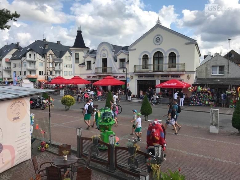 Pobierowo to miejscowość w gminie Rewal, ciesząca się wielką popularnością wśród turystów
