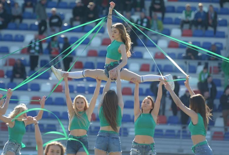 Od kilku lat na imprezach sportowych możemy podziwiać formację taneczną Cheerleaders Radom. Grupa kilkunastu dziewcząt wkłada mnóstwo pracy, aby prezentować
