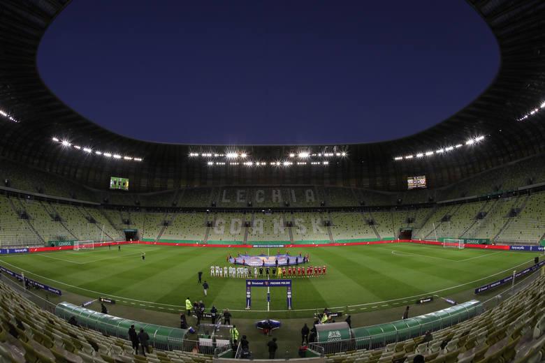 To był drugi mecz w Polsce, który odbył się bez udziału publiczności, po jak premier podjął decyzję o odwołaniu imprez masowych. Przy pustych trybunach