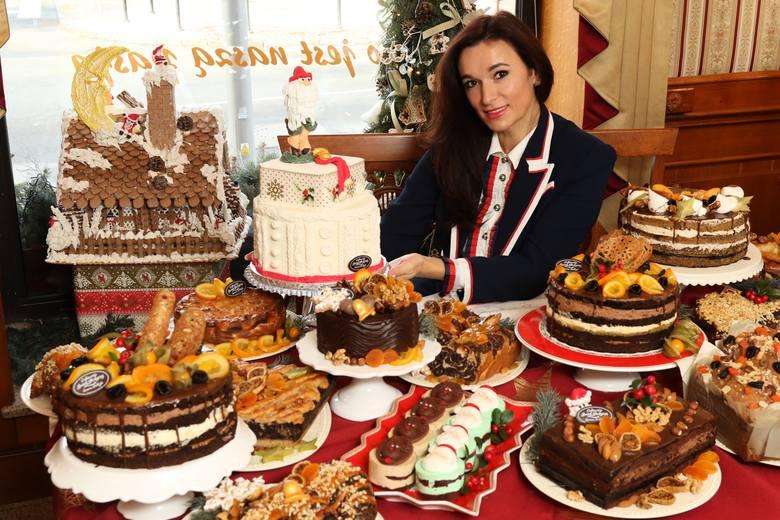 Tak jak wigilijny kolacja nie obędzie się bez tradycyjnego karpia, tak podczas świątecznego popołudnia nie może zabraknąć tradycyjnych świątecznych słodyczy