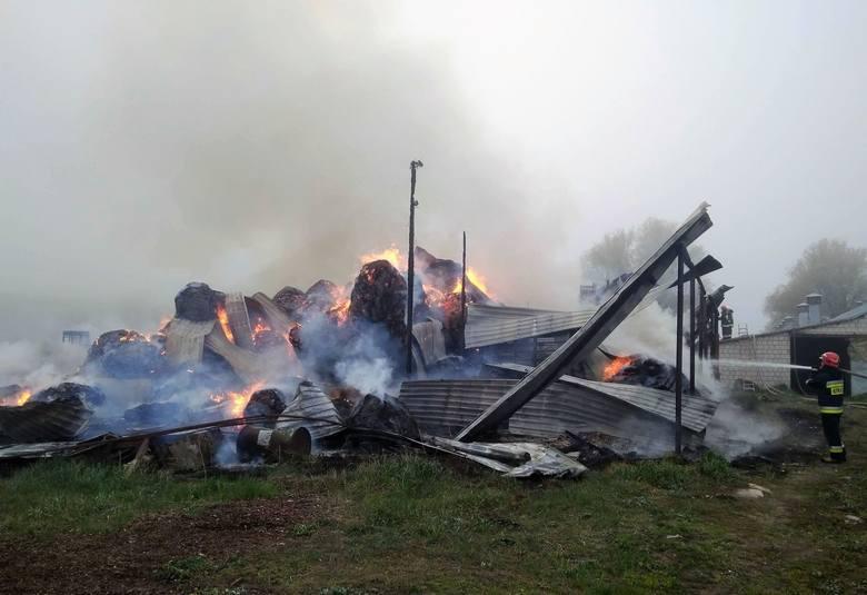 W niedzielę o godzinie 5.20 strażacy z OSP Janów zostali zadysponowani do pożaru w miejscowości Jaziewo w gminie Sztabin w powiecie augustowskim.