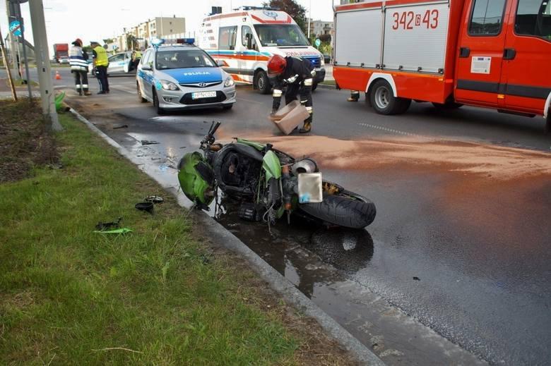 Dzisiaj (16.05), kilka minut po godz. 19., doszło do bardzo poważnego wypadku z udziałem motocyklisty. Drogę prawdopodobnie zajechał mu inny kierowca