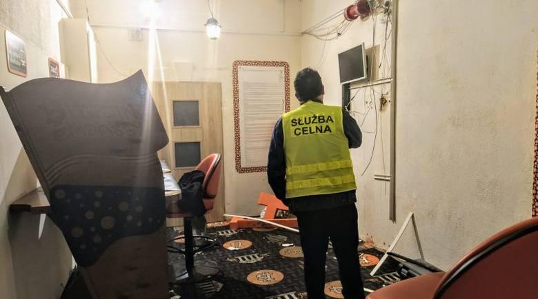Akcja funkcjonariuszy celno-skarbowych w centrum Brzezin