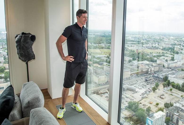 Robert Lewandowski ma swoje mieszkanie w Warszawie. Piłkarz, który strzelił najwięcej goli dla reprezentacji Polski, wprowadził się do apartamentu przy