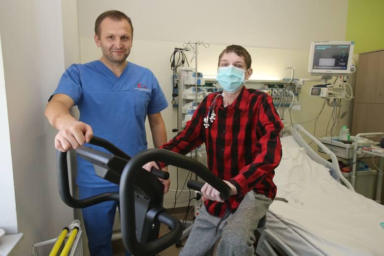 Rafał Kowalczuk z Katowic  to pierwszy Polak po jednoczesnym przeszczepie płuc i wątroby