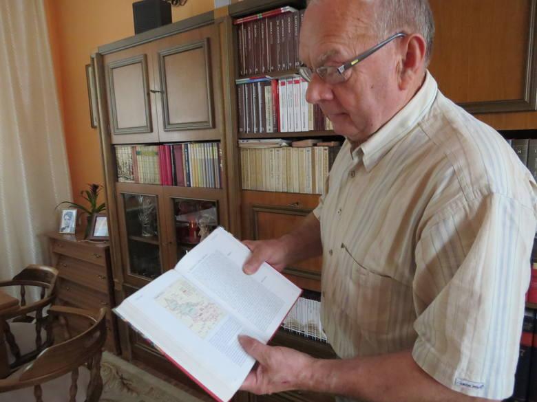 Jan Przybysz ma wiele książek historycznych. Tropi w nich dzieje i ślady ludzi związanych z okolicami jego rodzinnego Służewa. Kapliczkę w Pieczeni pamięta doskonale. Marzy, by powróciła na Kujawy