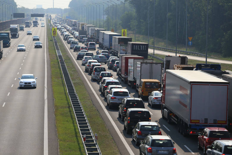 Autostrada A4. Rośnie korek przed remontowanym odcinkiem