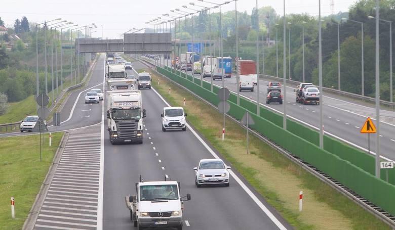 Ministerstwo Infrastruktury obiecuje poszerzyć autostradę A2 między Łodzią i Warszawą.