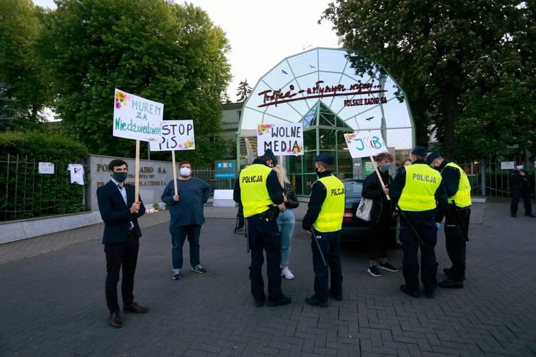 """Protest w obronie dziennikarzy """"Trójki"""" i wolnych mediów"""