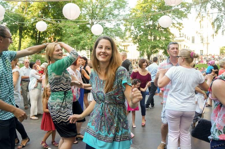 Potańcówki w Białymstoku. Nawet prezydent zauważył, że lubimy chodzić na tańce