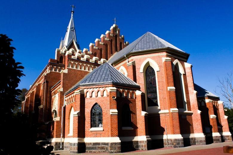 3. Dekanat Koluszki32,6 proc.W dekanacie koluszkowskim do kościoła chodzi co niedziela aż 32,6 proc. wiernych. Do komunii przystępuje 17, 7 procNa zdjęciu: