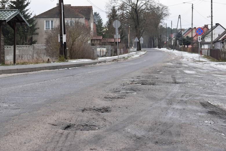 Przykład drogi powiatowej z Krosna Odrzańskiego do Bytnicy pokazuje, jak długo może trwać jedna inwestycja. We wsi mieszkańcy wciąż nie doczekali się