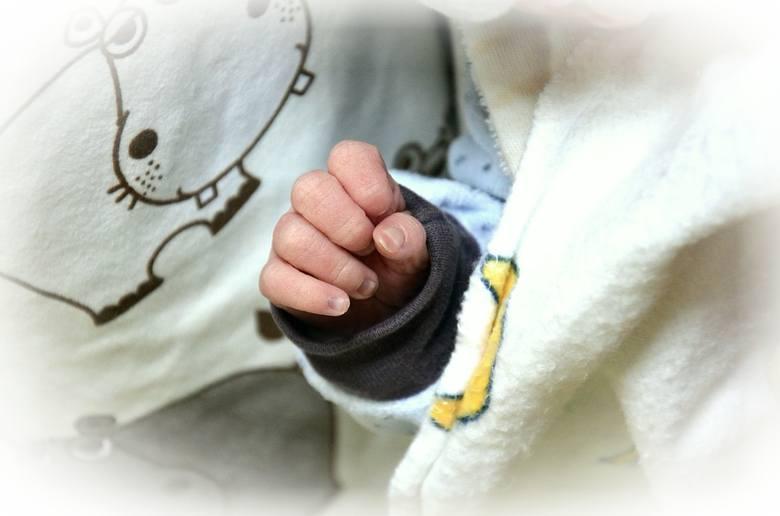 Wyprawka dla noworodka do szpitala: LISTA rzeczy. Wyprawka do szpitala dla mamy i dla dziecka. Wyprawka dla noworodka zimą