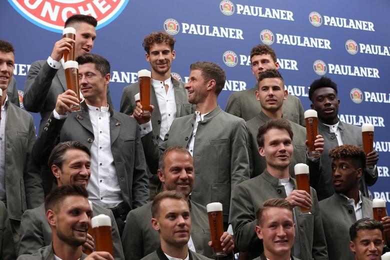 W niedzielę piłkarze Bayernu Monachium uczestniczyli w tradycyjnej sesji zdjęciowej przed Oktoberfest. Zanim rozjechali się na zgrupowania reprezentacji,