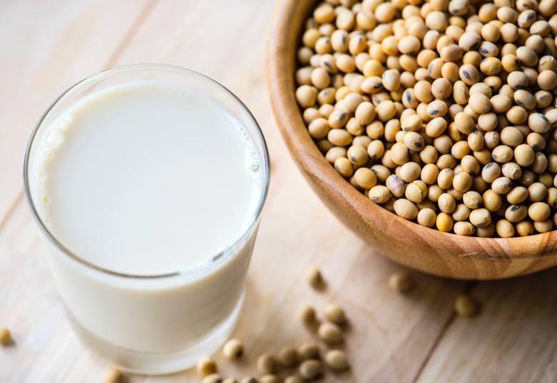 Soja jest najlepszą bazą diety wegańskiej. Stanowi najbogatsze źródło białka wśród nasion strączkowych i jest przetwarzana na dziesiątki sposobów. Mleczko